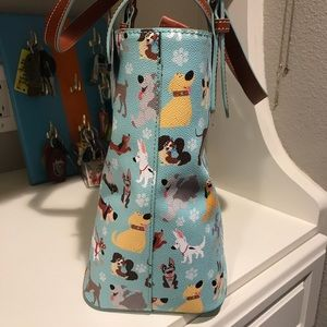 fe3e4ef7bd3f Dooney & Bourke Bags | Nwt Dooney And Bourke Disney Dogs Emily Tote ...